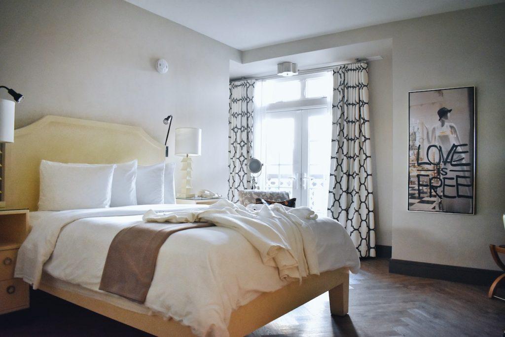 Hollywood Hotel Room 2